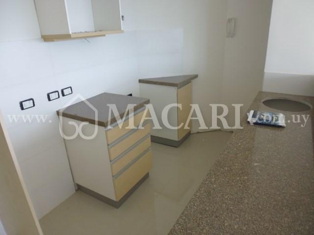 P1110391 -macari
