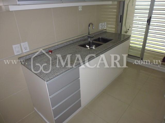 P1030088 -macari